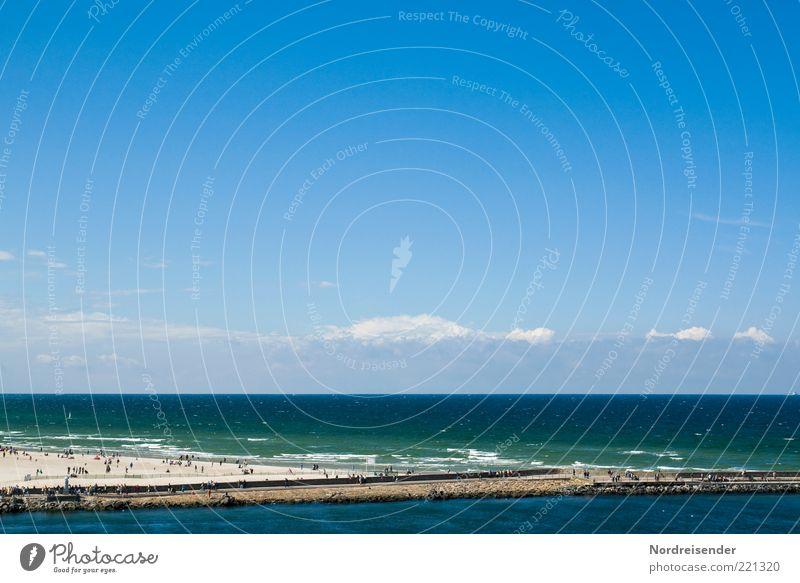 Zurück blicken... Himmel Natur Wasser Sommer Strand Meer Ferien & Urlaub & Reisen Ferne Leben Landschaft Sand Horizont Tourismus Lifestyle beobachten Lebensfreude