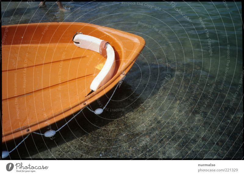 Rettungsboot Wasser Meer Sommer Strand orange Küste Wellen Umwelt leer Lifestyle Freizeit & Hobby Spitze Kunststoff Schifffahrt Ostsee Schönes Wetter