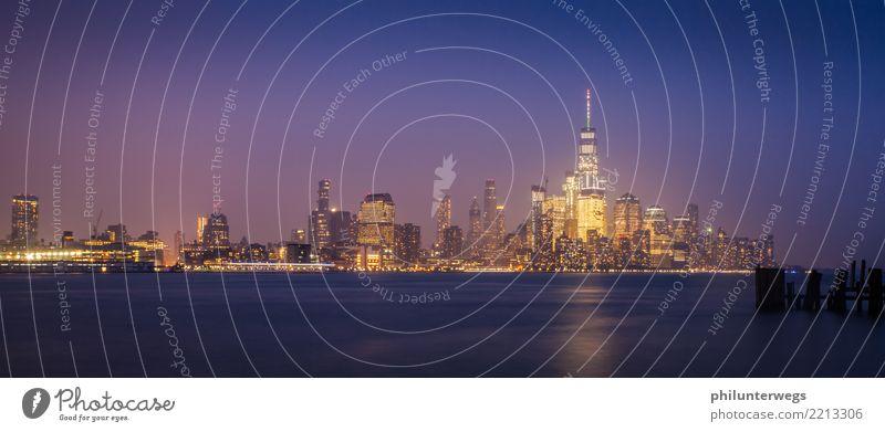 Skyline Manhattan New York aus New Jersey bei Nacht Umwelt Wasser Schönes Wetter Küste Flussufer Bucht New York City USA Amerika Stadt Hauptstadt Hafenstadt