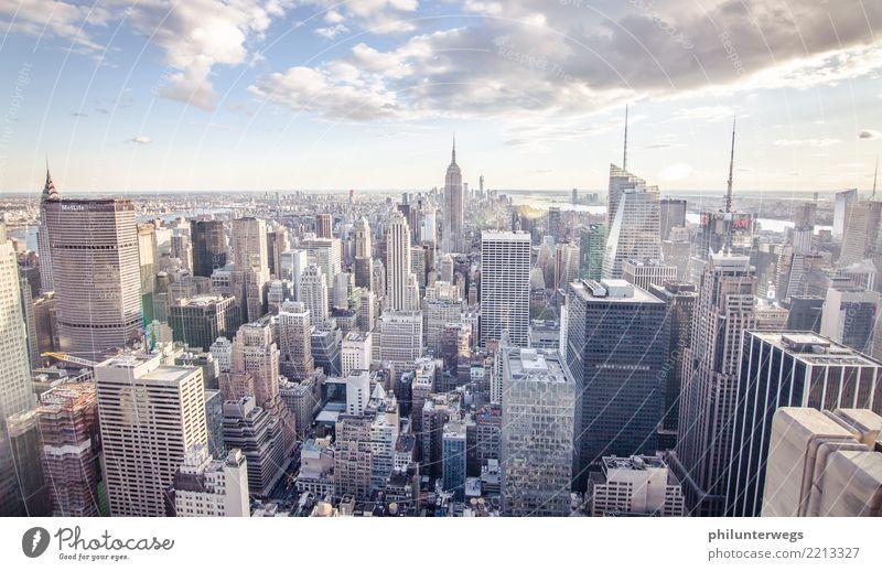 Häuserschlucht iin Manhattan, New York City Ferien & Urlaub & Reisen Sommer Stadt Ferne Fenster Wand Tourismus Mauer Freiheit Fassade Ausflug Hochhaus Abenteuer