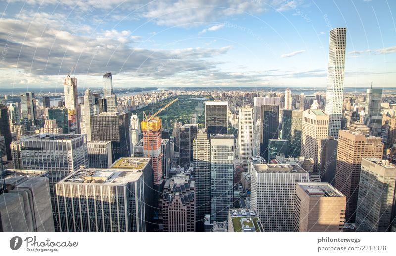 Blick vom Rockefeller Center auf den Central Park, New York City Himmel Stadt Haus Wiese Gebäude Fassade Hochhaus ästhetisch Platz USA Schönes Wetter hoch