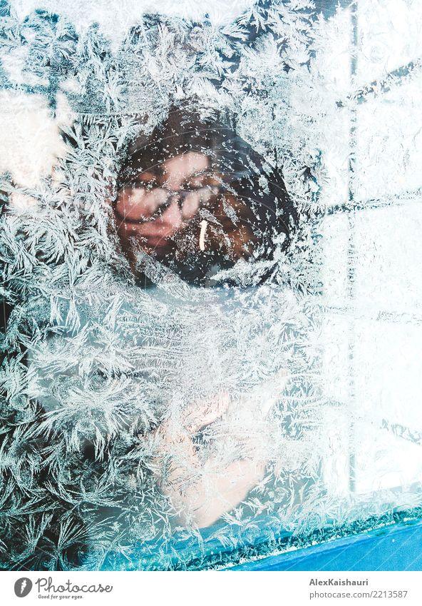 Gefrorenes Porträt einer jungen Frau in Sibirien Lifestyle schön Winter Schnee Winterurlaub Weihnachten & Advent Silvester u. Neujahr feminin Junge Frau
