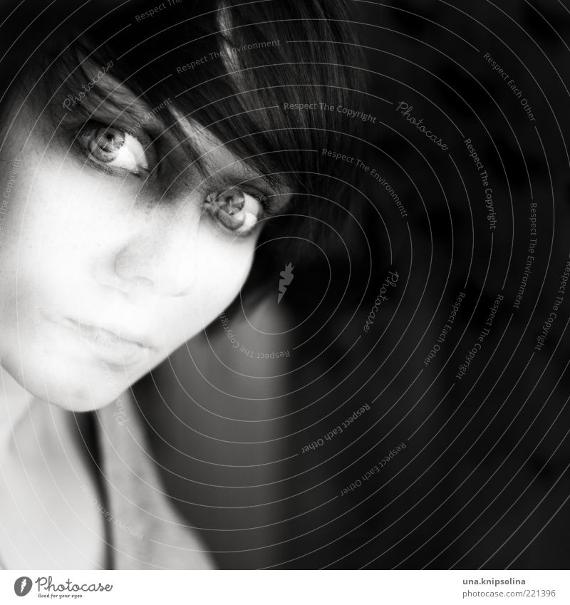 ich lass los Junge Frau Jugendliche Erwachsene 1 Mensch 18-30 Jahre Gefühle verstört Doppelbelichtung Alkoholisiert Schwarzweißfoto Experiment abstrakt Porträt