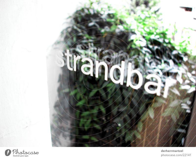 strandbar1 Bar Café Biergarten Balkon Strand grün Fenster Stranbar Außenaufnahme