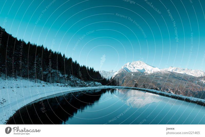 Naturspiegel Umwelt Landschaft Urelemente Luft Wasser Wolkenloser Himmel Pflanze Wald Alpen Berge u. Gebirge Gipfel Schneebedeckte Gipfel Seeufer Teich frisch