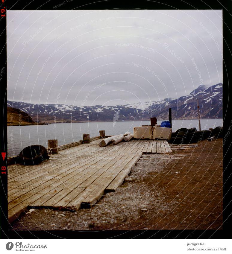 Island Natur Wasser Himmel ruhig Wolken Ferne kalt Berge u. Gebirge Holz See Landschaft Stimmung Küste Umwelt Erde Klima
