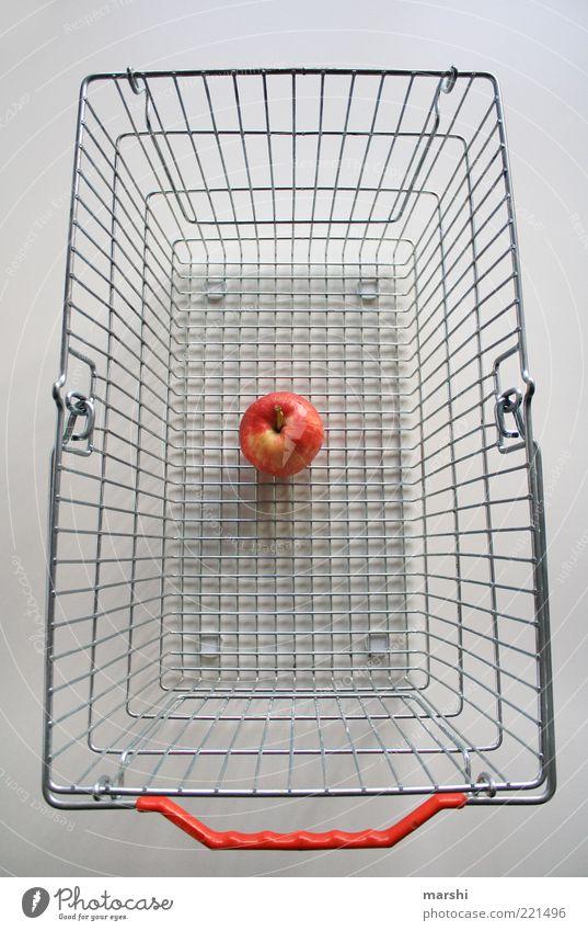 magere Ausbeute Lebensmittel Frucht Apfel Ernährung Diät gelb rot weiß kaufen Einkaufskorb leer Snack Farbfoto Innenaufnahme Bioprodukte Metall Griff einzeln