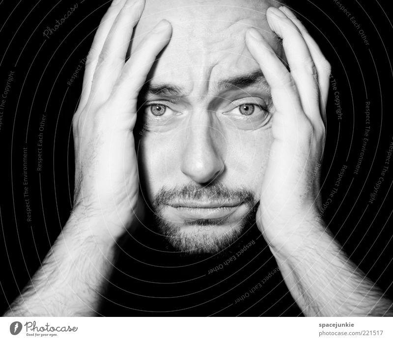 Erfolgserlebnis maskulin Junger Mann Jugendliche Erwachsene Gesicht Auge Bart 1 Mensch 30-45 Jahre Denken Traurigkeit Angst Zukunftsangst gefährlich Stress