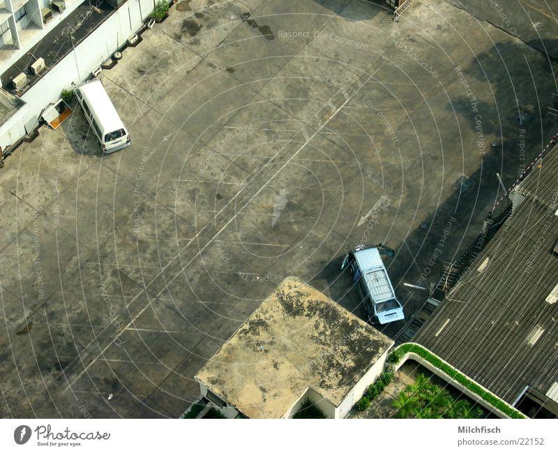 Parking Area Parkplatz Platz leer Vogelperspektive Teer Erfolg PKW alt dreckig