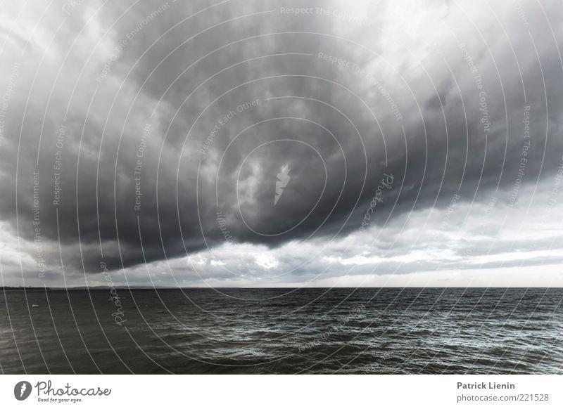 The End Natur Wasser Himmel Wolken dunkel grau Regen Luft Stimmung Wellen Wind Wetter Umwelt bedrohlich Klima wild