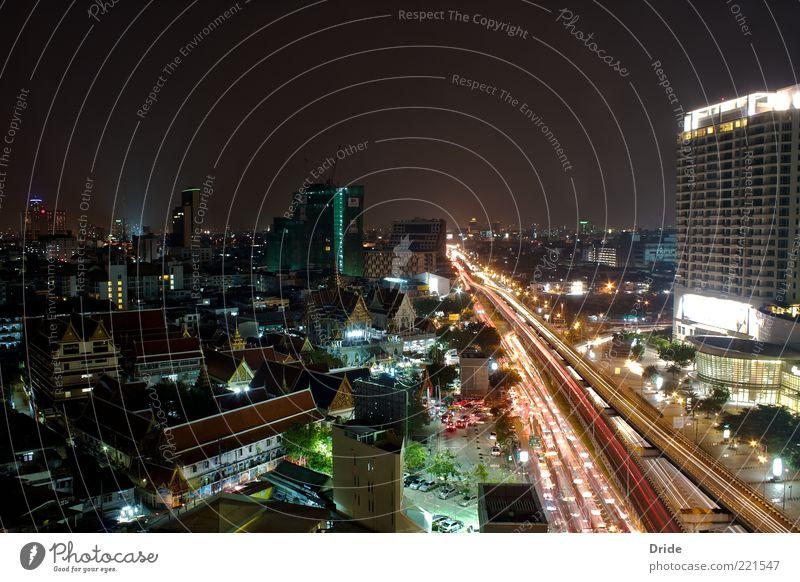 Highlights Bangkok Thailand Asien Hauptstadt Stadtzentrum überbevölkert Haus Hochhaus Architektur Verkehr Personenverkehr Berufsverkehr Straßenverkehr
