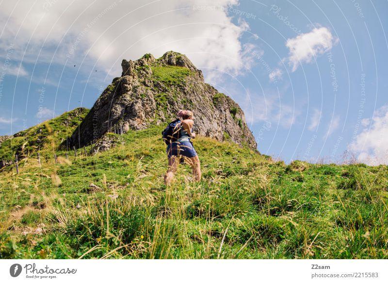 Aufstieg auf die oberbayerische Rotwand (Alpen) Himmel Natur Jugendliche Junge Frau Sommer grün Landschaft Erholung Einsamkeit ruhig Berge u. Gebirge