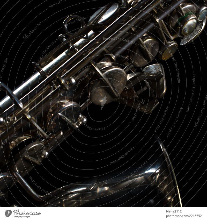 Saxophon - Q1 Musik Musik hören Konzert Open Air Bühne Oper Band Musiker Orchester Blasinstrumente silber Klaviatur Musikinstrument Holzblasinstrumente