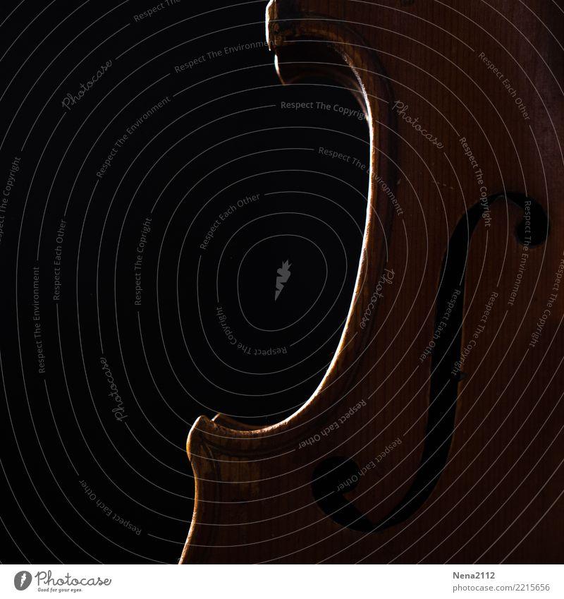 Geige - Q5 Kunst Musik Musik hören Konzert Open Air Bühne Oper Band Musiker Orchester dunkel Streichinstrumente Saiteninstrumente F-loch Holz Musikinstrument