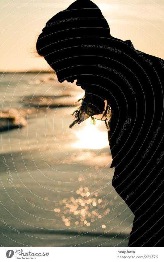 Silhouette Kopf Haare & Frisuren Freude Glück Strand Meer Sonnenuntergang Reflexion & Spiegelung Wasser Zufriedenheit Erholung Ferien & Urlaub & Reisen