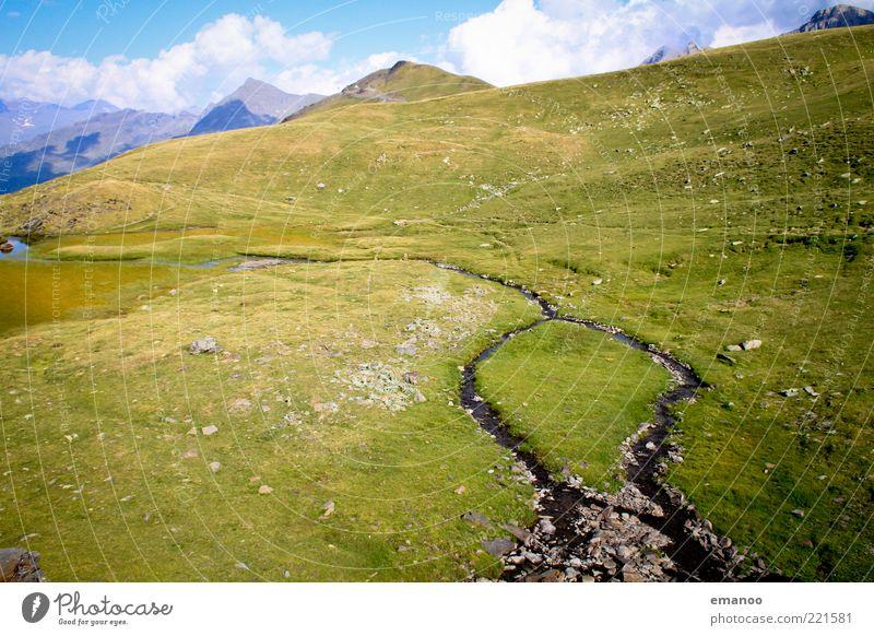 picnic island Freiheit Sommer Natur Landschaft Wasser Himmel Klima Schönes Wetter Gras Wiese Alpen Berge u. Gebirge Gipfel Insel Bach kalt nass grün Pyrenäen