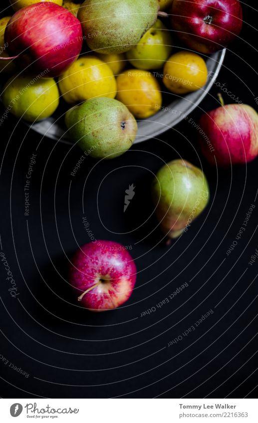 Autun-Früchte: Draufsicht der Birnen, der Äpfel und der Quitten Natur Sommer grün rot Leben gelb Herbst natürlich Menschengruppe Frucht Ernährung frisch lecker