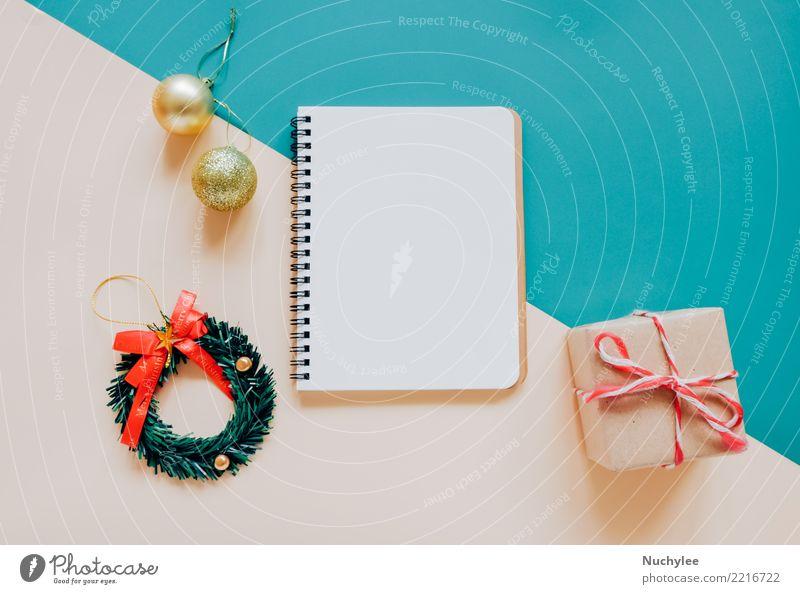 leere Notebook mock-up mit Weihnachtsschmuck Weihnachten & Advent Winter Stil Glück Feste & Feiern Design hell Dekoration & Verzierung modern Aussicht