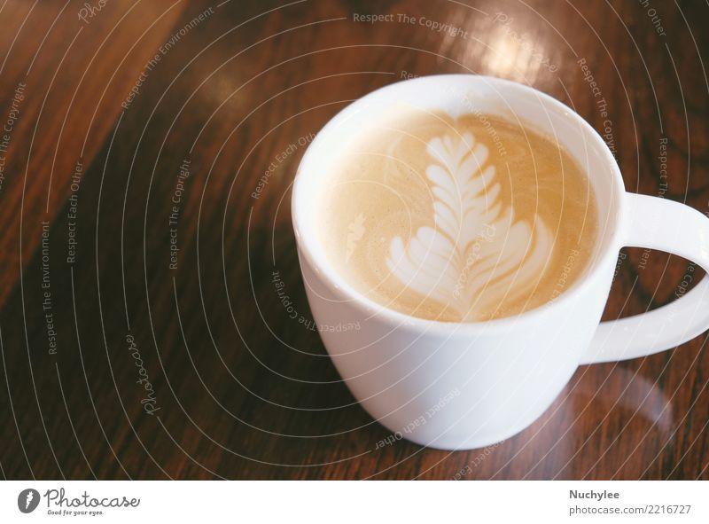 Tasse Latte oder Cappuccino-Kaffee auf Holztisch Frühstück Getränk Kakao Espresso Teller Löffel kaufen Design Tisch Kunst Liebe heiß retro braun weiß Instagramm