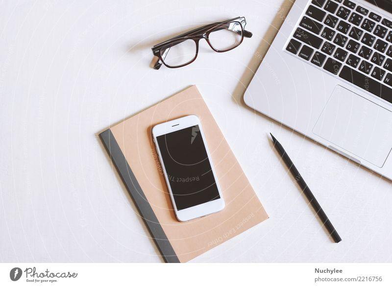 Flaches Lagebild des Schreibtischs Lifestyle Design Tisch Arbeit & Erwerbstätigkeit Arbeitsplatz Büro Business Telefon PDA Computer Notebook Bildschirm