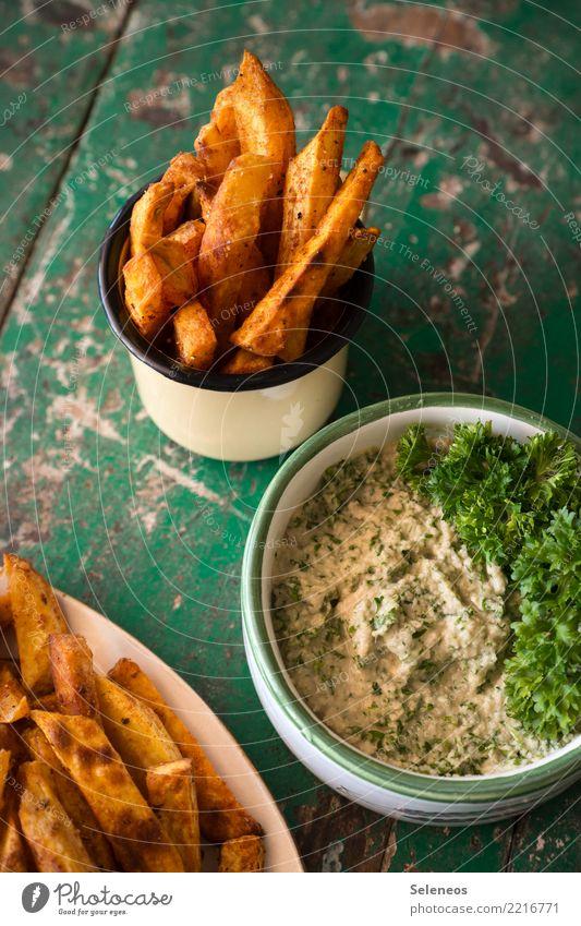 Süßkartoffelpommes Lebensmittel Milcherzeugnisse Gemüse Kartoffeln Pommes frites Dip Petersilie Ernährung Essen Bioprodukte Vegetarische Ernährung Slowfood