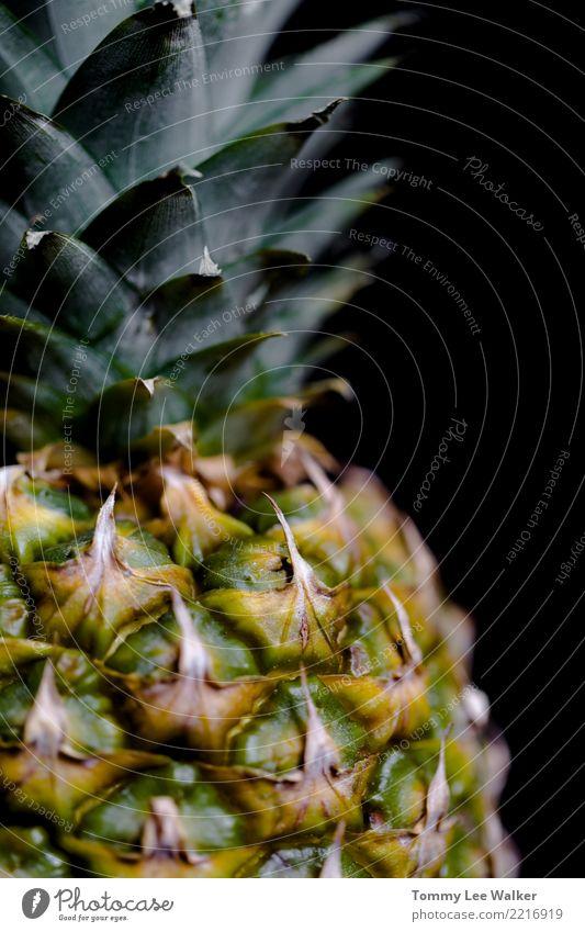 Ananas hautnah Frucht Dessert Ernährung Diät Saft Sommer Natur Pflanze frisch lecker natürlich saftig gelb grün weiß Farbe reif Hintergrund Gesundheit süß