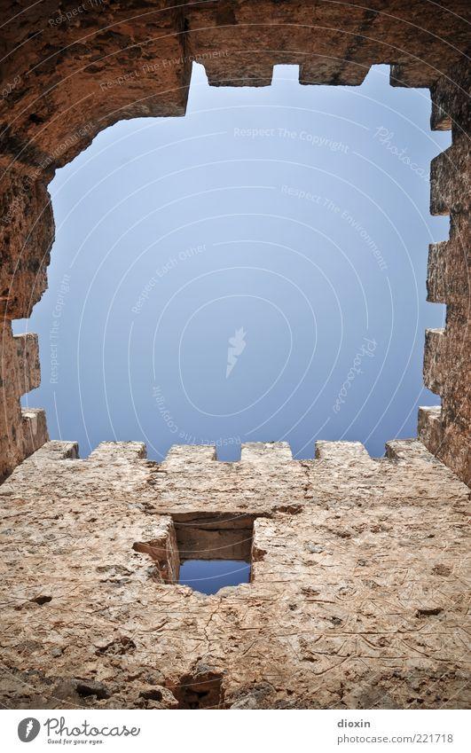 in ancient times [3] Himmel Wolkenloser Himmel Sonnenlicht Schönes Wetter Bauwerk Gebäude Architektur Burgturm Burgruine Mauer Wand Fenster Zinnen