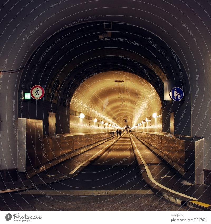 keine elben da... Hamburg Bauwerk Architektur Wahrzeichen Verkehr Verkehrswege Fußgänger Straße Tunnel Verkehrszeichen Verkehrsschild historisch