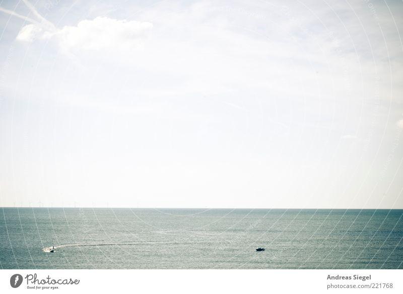 Aussicht Bootsfahrt Wasserfahrzeug Umwelt Himmel Sommer Schönes Wetter Küste Nordsee Meer Sportboot Motorboot fahren frei Unendlichkeit blau Erholung Freiheit