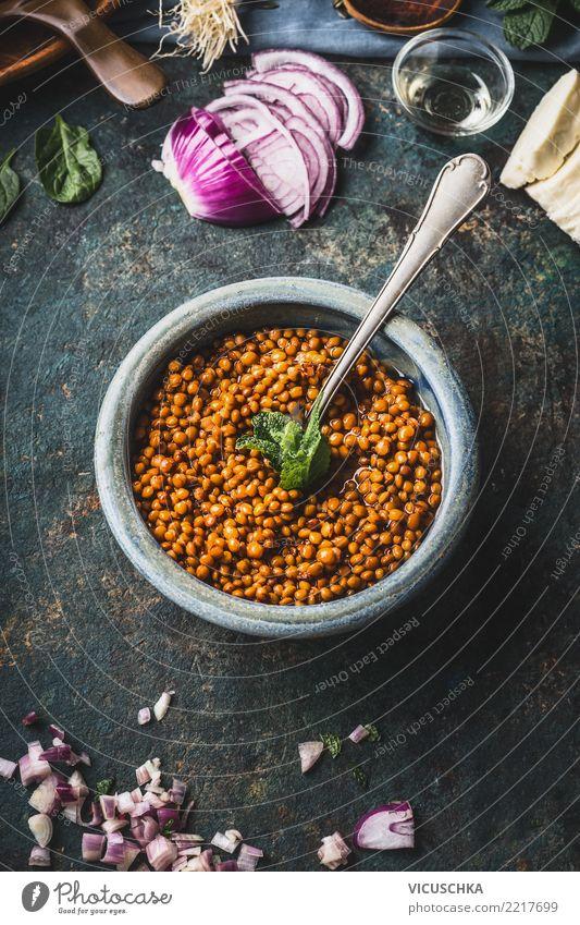 Schüssel mit gekochten Linsen und Löffel Lebensmittel Getreide Kräuter & Gewürze Öl Ernährung Mittagessen Abendessen Bioprodukte Vegetarische Ernährung Diät