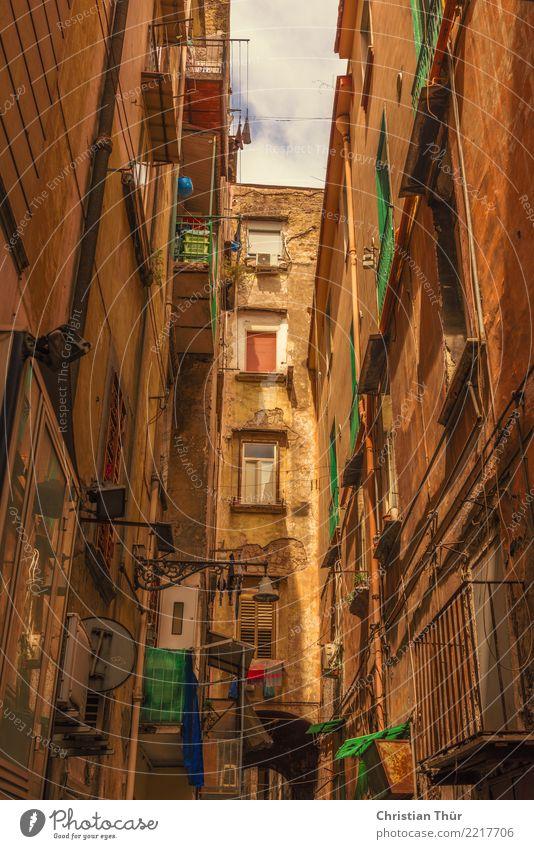 Strassen von Neapel Ferien & Urlaub & Reisen Sommer Stadt Erholung Haus ruhig Architektur Wand Gebäude Mauer Tourismus Freiheit Fassade Ausflug Zufriedenheit