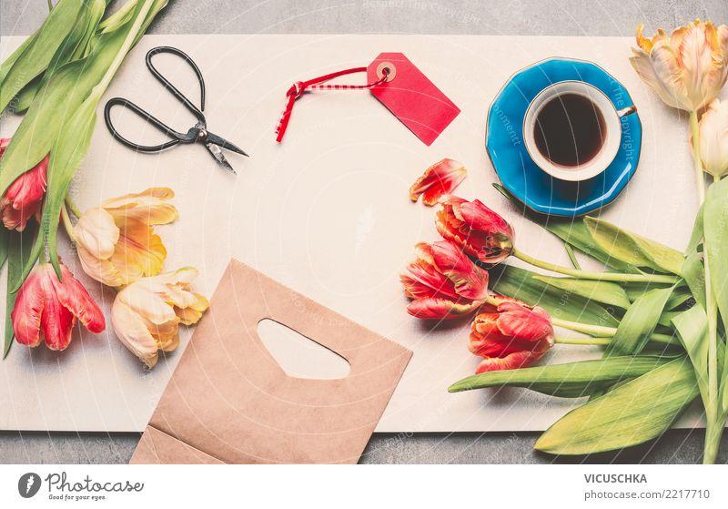Tulpen mit Schere und eine Tasse Kaffee kaufen Stil Tisch Feste & Feiern Valentinstag Muttertag Geburtstag Papier Paket Dekoration & Verzierung Blumenstrauß