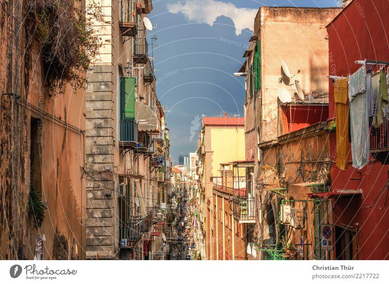 Strassen von Neapel Ferien & Urlaub & Reisen Tourismus Ausflug Abenteuer Sightseeing Sommer Italien Stadt Stadtzentrum Altstadt Fußgängerzone Menschenleer Haus
