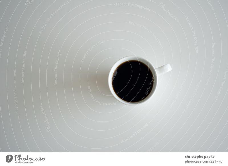 Kaffee schwarz ohne alles schwarz Getränk Kaffee rund stehen einfach heiß Flüssigkeit Duft Tasse Espresso Schatten Kaffeetasse Heißgetränk