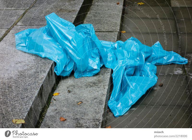 blue bag Reichtum Dekoration & Verzierung Industrie Handel Energiewirtschaft Fortschritt Zukunft Stadtzentrum Treppe Kunststoffverpackung Sack kaufen