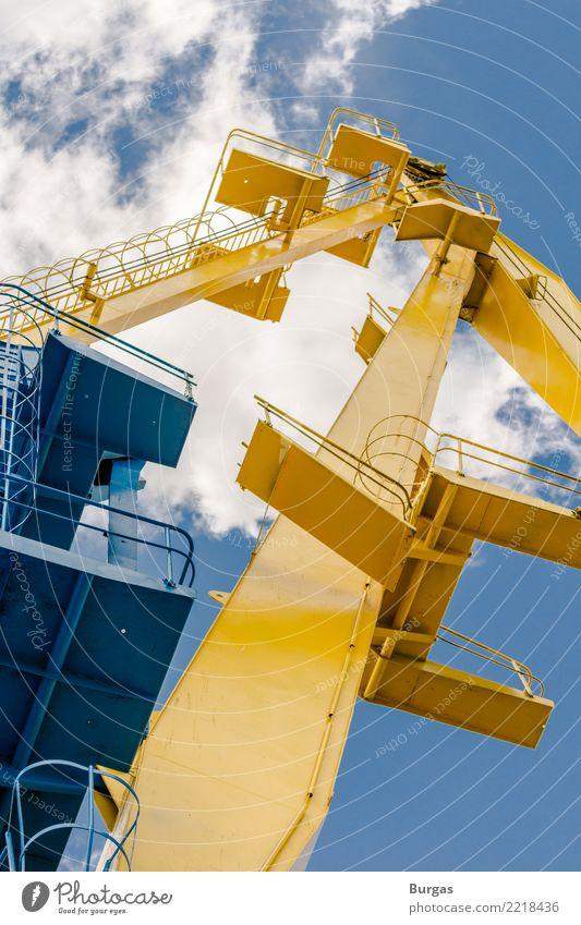 Kran im Hafen Maschine Technik & Technologie Industrie Handel Dienstleistungsgewerbe Portwein Fracht Spedition Farbfoto Außenaufnahme Menschenleer Tag