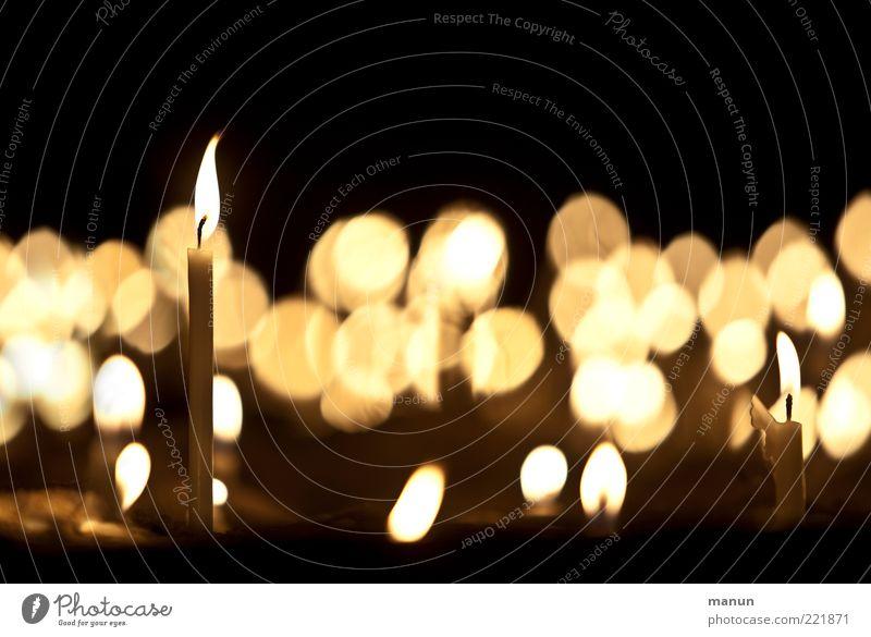 candlelight II (LT Ulm 14.11.10) Leben Religion & Glaube Feste & Feiern glänzend Hoffnung Kerze Wunsch leuchten dünn Zeichen Erinnerung Originalität
