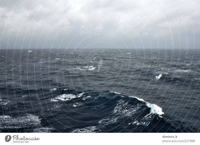 Natur Himmel Meer blau schwarz Wolken dunkel Landschaft Wellen Küste Hintergrundbild Wind Wetter Horizont Leidenschaft tief