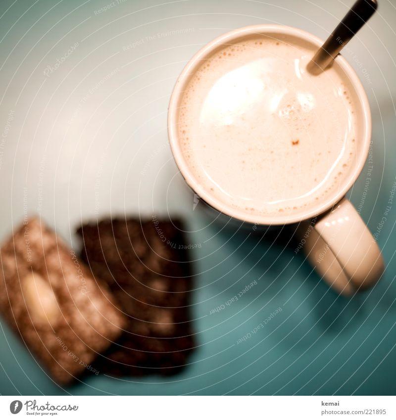 Chai und Lebkuchen Winter Erholung hell Ernährung frisch Getränk Pause trinken heiß genießen Tee türkis Süßwaren Geschirr Tasse lecker