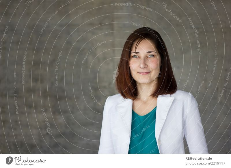 Businessportrait Frau Mensch Jugendliche Junge Frau schön 18-30 Jahre Gesicht Erwachsene natürlich feminin Glück Arbeit & Erwerbstätigkeit Zufriedenheit