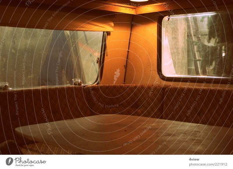 Wohnwagenromantik Lifestyle Freizeit & Hobby Ferien & Urlaub & Reisen Freiheit Camping alt retro einzigartig Leben Mobilität Innenaufnahme Menschenleer Sitzecke