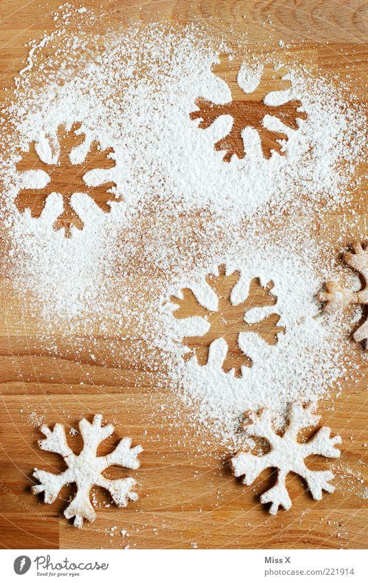 Schneeflocken Weihnachten & Advent Ernährung Lebensmittel Stern (Symbol) süß Kochen & Garen & Backen lecker Backwaren Zucker Teigwaren Plätzchen Schneeflocke Weihnachtsdekoration Licht Feste & Feiern Muster