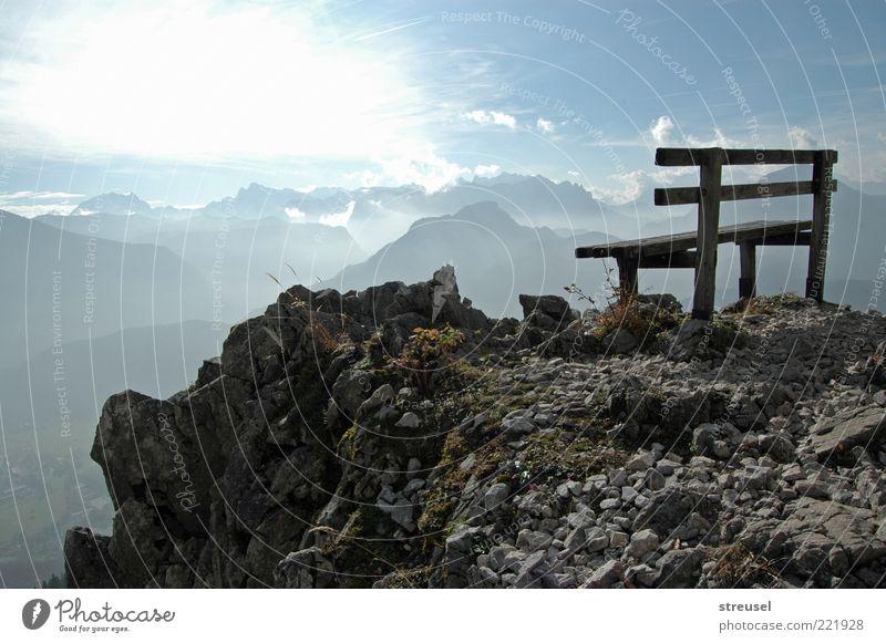 himmlischer Ausblick Ferien & Urlaub & Reisen Sommer Berge u. Gebirge wandern Natur Landschaft Himmel Sonnenlicht Schönes Wetter Felsen Alpen Gipfel Bank hell