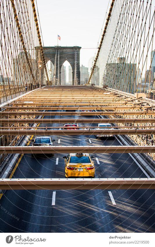Morgenverkehr auf der Brooklynbridge Ferien & Urlaub & Reisen Ferne Straße Leben gelb Tourismus Freiheit Ausflug Verkehr Hochhaus gold Abenteuer USA Brücke