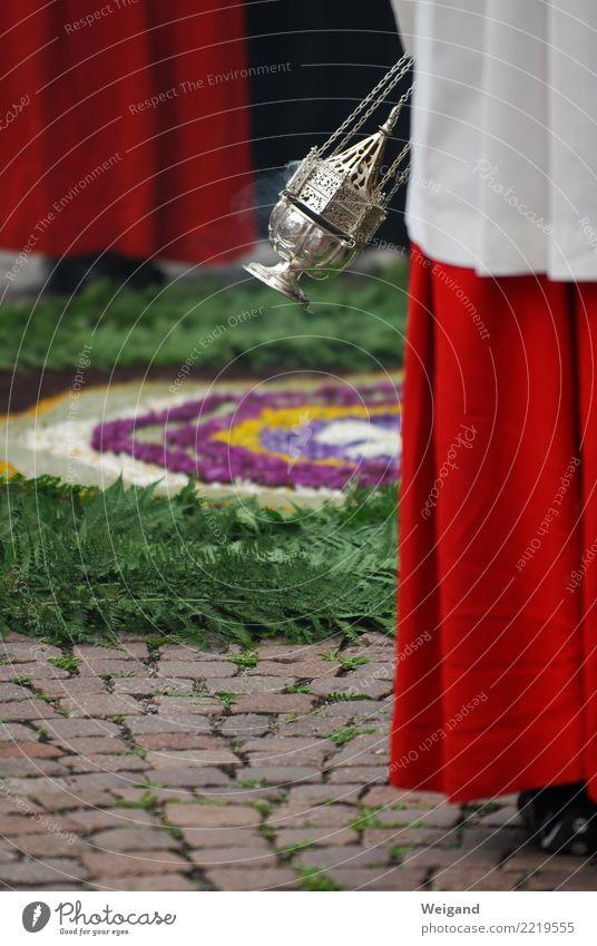 Weihrauch Feste & Feiern rot Ehre Weihrauchfass Gottesdienst Gebet Fronleichnam Katholizismus Christentum Religion & Glaube Lebensziel Geistlicher Farbfoto