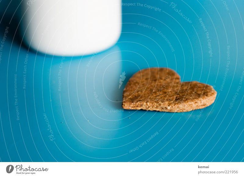 I love Kekse Lebensmittel Dessert Süßwaren Backwaren Plätzchen Ernährung Slowfood Tasse Becher Tisch Herz liegen Duft lecker süß blau braun genießen türkis