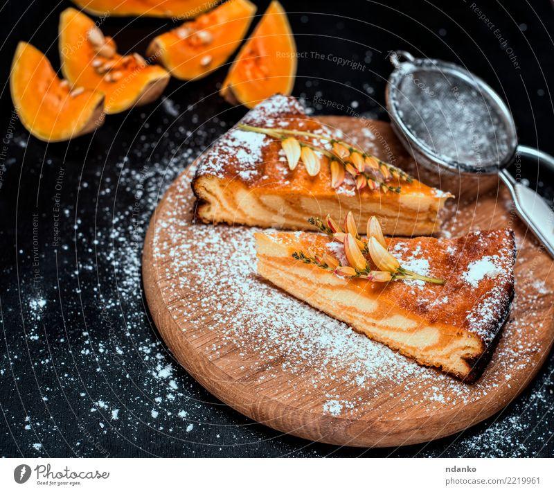 Stücke von Kürbiskuchen schwarz Herbst natürlich Holz Ernährung frisch Tisch kochen & garen Küche lecker Gemüse Tradition Dessert Backwaren Abendessen