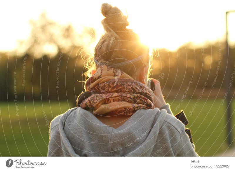 Lichtbilder machen Mensch Natur Jugendliche feminin Landschaft Kopf Haare & Frisuren träumen Freizeit & Hobby Horizont Fotografie Lifestyle Fotokamera entdecken