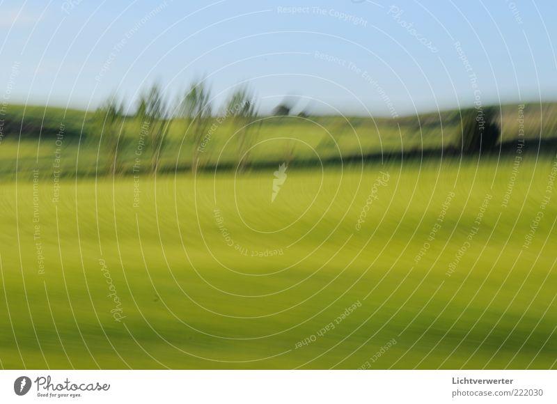 speedscape 17.05.2008;13:51;85km/h. Natur Landschaft Pflanze Wolkenloser Himmel Frühling Gras Nutzpflanze Feld Hügel Bewegung grün Farbfoto Außenaufnahme