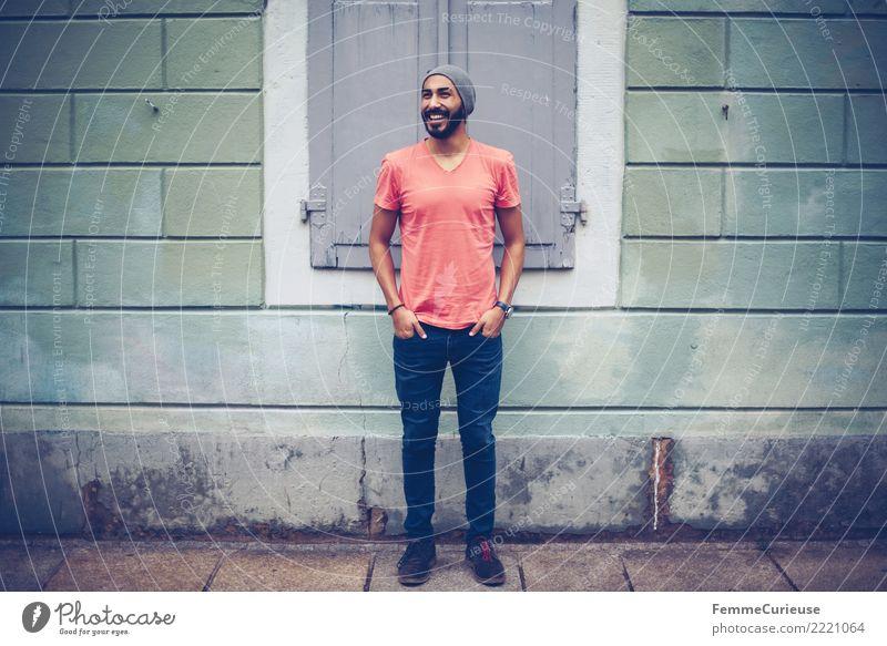 Urban young man (98) maskulin Junger Mann Jugendliche Erwachsene 1 Mensch 18-30 Jahre Mode Bekleidung Freizeit & Hobby Stadt Bürgersteig T-Shirt lässig Coolness